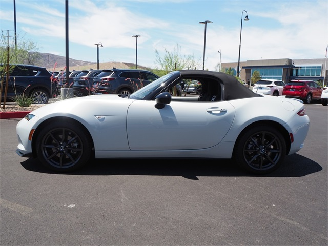 Certified Pre-Owned 2016 Mazda Miata Club